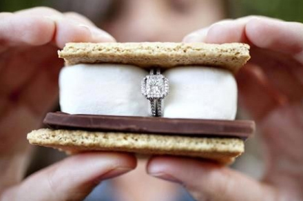 wedding-proposal-ideas-smores1